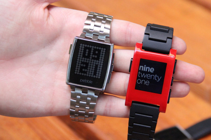 Pebble Steel vs original Pebble smart watch